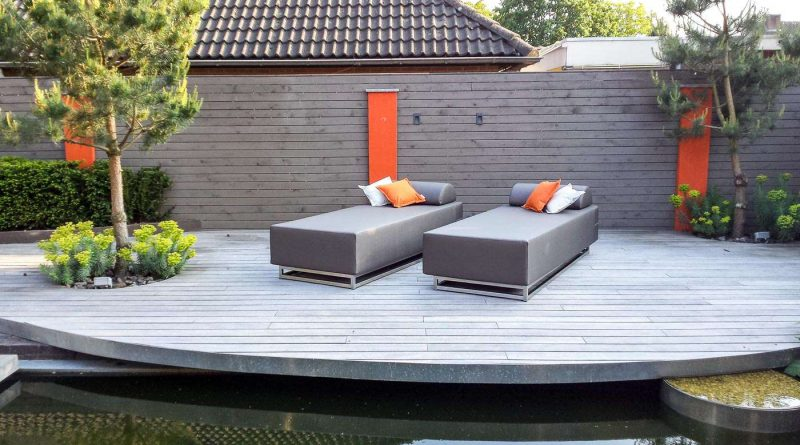 small garden lounger
